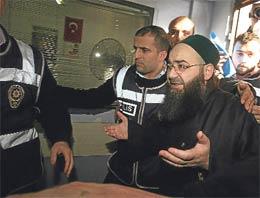 Cübbeli Ahmet Hoca olarak bilinen Ahmet Mahmut Ünlünün de ifadesinin alındığı çete ve fuhuş operasyonunun ilginç ayrıntıları