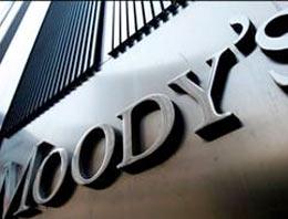 Uluslararası kredi derecelendirme kuruluşu Moodys, Fransanın en büyük bankaları BNP Paribas, Societe Generale ve Credit Agricoleün kredi notlarını düşürdü.