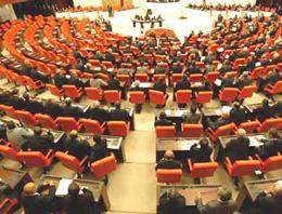 Milletvekillerine yapılan olağanüstü zamma tepkiler dinmiyor. Türkiye adeta ayağa kalktı, o zammın geri alınmasını istiyor!