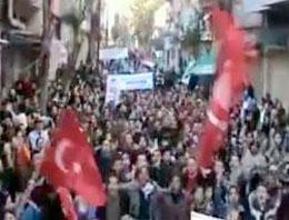 Suriye ordusunun kuşatması altındaki Humus kentinde protestocular, Büyük Erdoğan sloganları attı