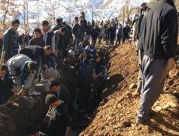 35 köylünün hayatını kaybettiği olayla ilgili Twitterda Türkiye aleyhine dünyaya İngilizce mesajlar yağdı