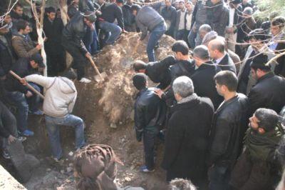 İntihar Eden Askerin Cenazesi Toprağa Verildi