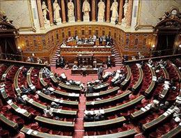 1915 olaylarının inkarının suç sayılmasını öngören yasa teklifi Fransız Senatosuna iletildi.