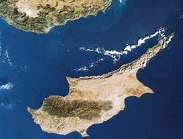 KKTC Başbakanı İrsen Küçük, Kıbrıs Rum Yönetimi Lideri Dimitris Hristofyasın Erdoğan ile görüşme talebini yersiz bulduğunu söyledi