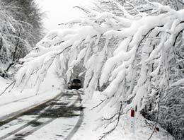 Türkiye genelinde hafta sonuna kadar yağış beklenmiyor. Cuma gecesinden itibaren ise tüm yurt, kar ve yağışlı havanın etkisi altına girecek.