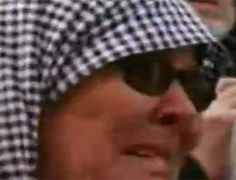 Cumhurbaşkanı Abdullah Gül, Boluda halka hitap ettiği. Gülü dinleyenler arasında öyle biri vardı ki, Gülün konuşması boyunca gözyaşlarına hakim olamadı