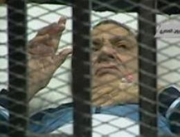 Mısırın devrik lideri Hüsnü Mübarek için savcılar en kötü cezayı istedi için savcılar en kötü cezayı istedi