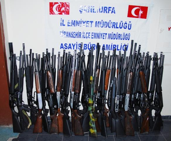 Diyarbakır dan geldi silah çaldı