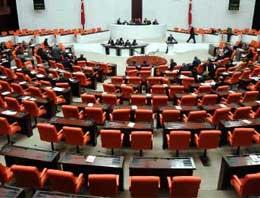 Kamuoyunda tepkilere neden olan vekillere kıyak emeklilik düzenlemesi yeniden Meclis gündeminde...