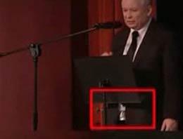 Rusya eski Başbakanı Jaroslaw Kaczysnki katıldığı topalantıda karizmayı çizdirdi