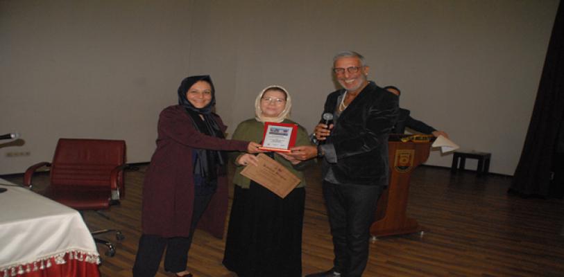 Zeynep Bucak'a Yılın Kadını   Ödülü