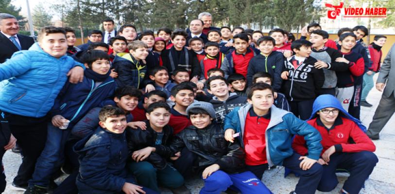 Büyükşehir, 2017'de 254 Bin Öğrenciye Ulaşacak