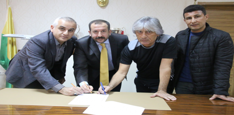 Kemal Kılıç imzaladı
