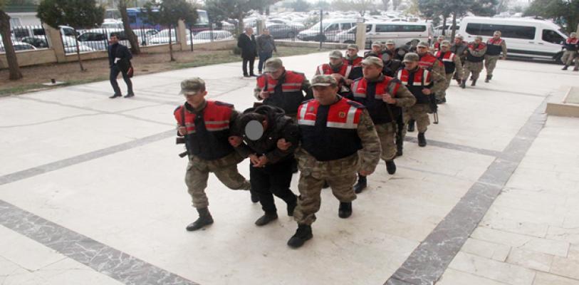 Urfa'da terör operasyonu, 12 kişi adliye'ye sevk edildi