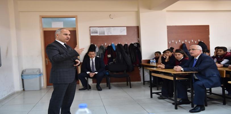 Vali Tuna Çanakkale Destanı Konulu Derse Katıldı