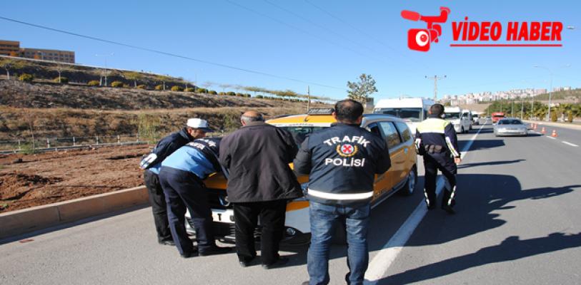 Zabıta, Öğrenci Servislerini Ve Taksileri Denetledi