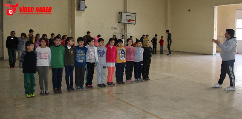 Halk Oyunlarını Haliliye Belediyesi İle Öğreniyor