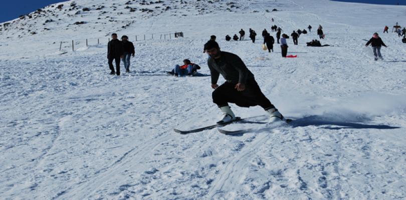 Karacadağ'da kayak keyfi başladı