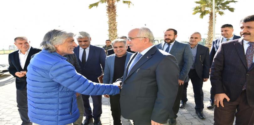 Vali Tuna'dan Şanlıurfaspor'a Moral Ziyareti