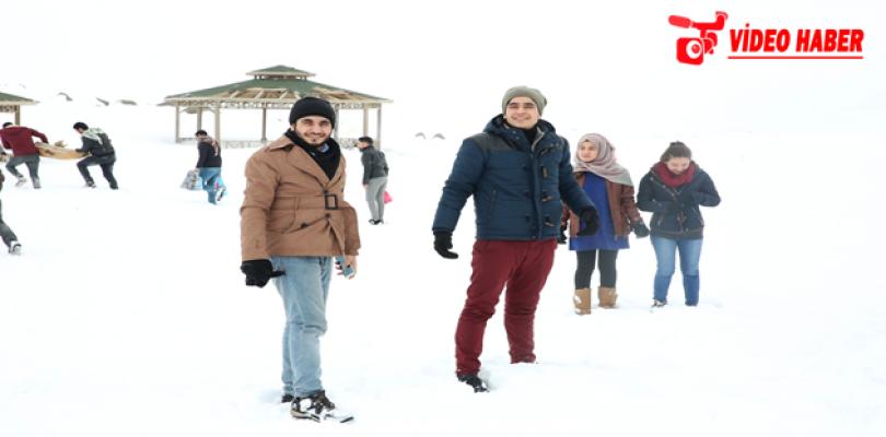 Öğrenciler Karacadağ'da Stres Attı
