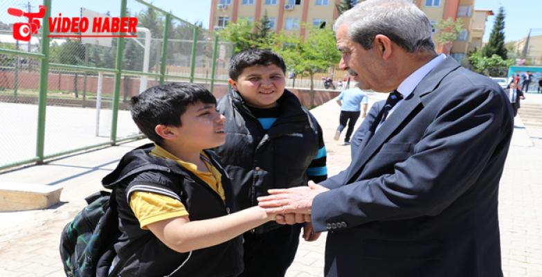 Başkan Demirkol Öğrencileri Yalnız Bırakmadı