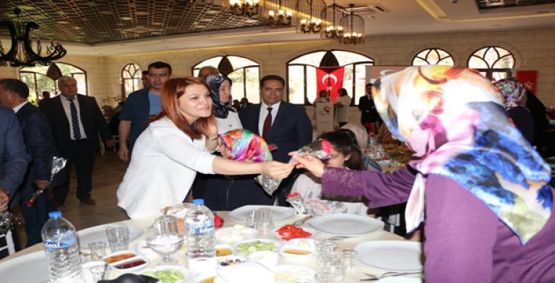 """ASPİM, Şehit Annelerinin """"Anneler Günü"""" kutladı"""