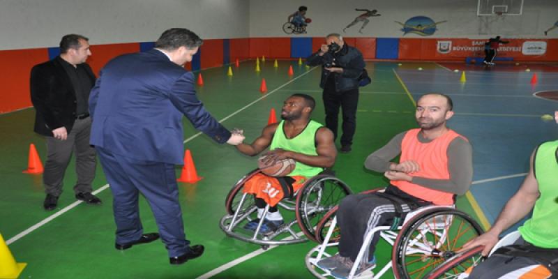 Cumhurbaşkanı Başdanışmanı Önen'den Engelliler Günü mesajı;