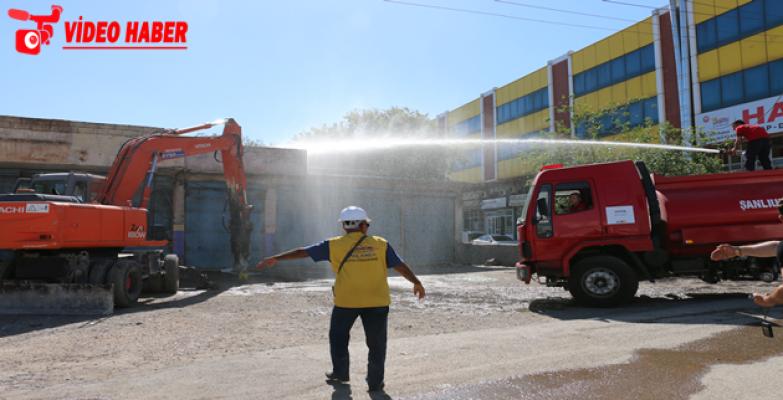 Şanlıurfa Eski Sanayi Kentsel Dönüşüm Projesinde Yıkım Çalışmaları Sürüyor