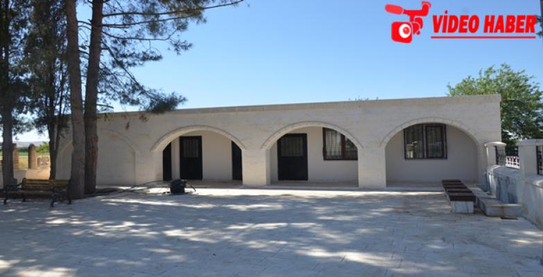 Büyükşehir Abdurrahman Dede Camii Ve Türbesinde Restore Etti