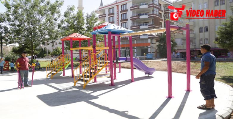 Haliliye Belediyesinden Parklara Yeni Oyun Grubu