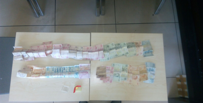 Şanlıurfa'da polis, İkametten hırsızlık olayının zanlılarını yakaladı.