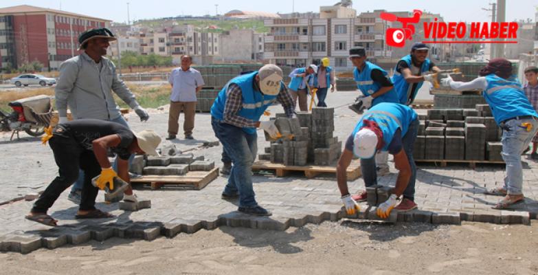 Ahmet Yesevi Mahallesinin Yolları Parke Taşıyla Kaplanıyor