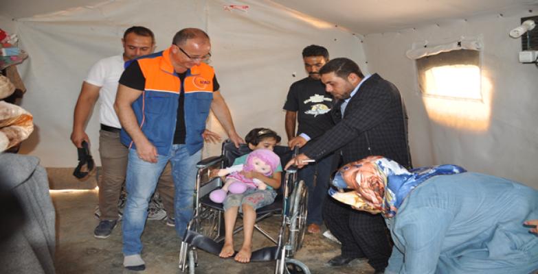 Çadırkentte Kalan Engelli Mültecilere Tekerlekli Sandalye Dağıtıldı