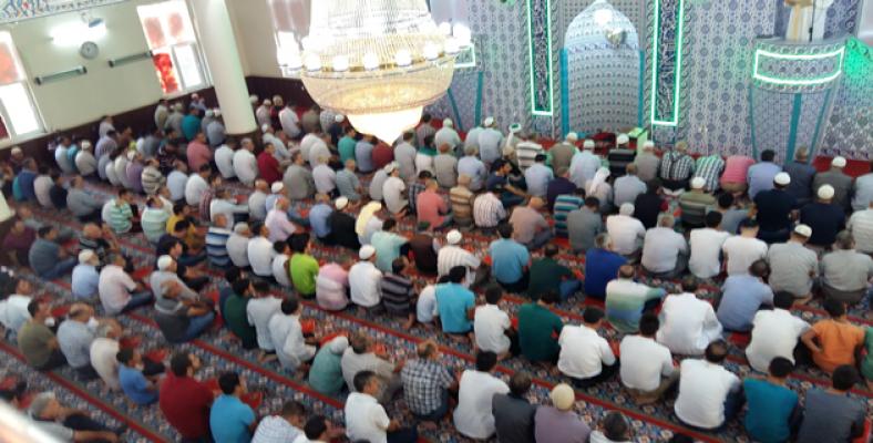 Urfa'da Bayram Namazına Yoğun İlgi