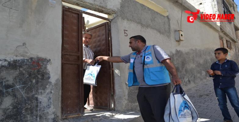 Eyyübiye Belediyesi Binlerce Vatandaşa Aşure İkramında Bulunuyor