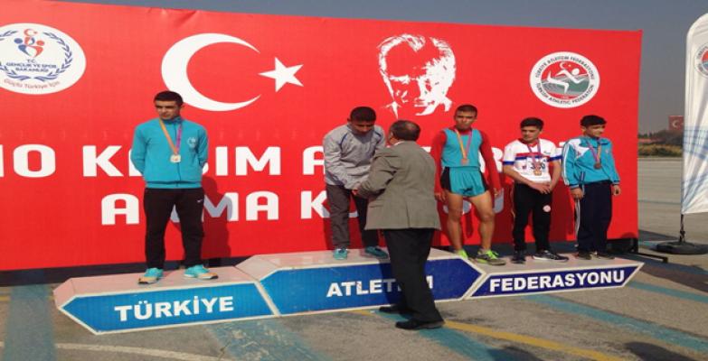 Atatürk'ü Anma Koşusunun Şampiyonu Tekin