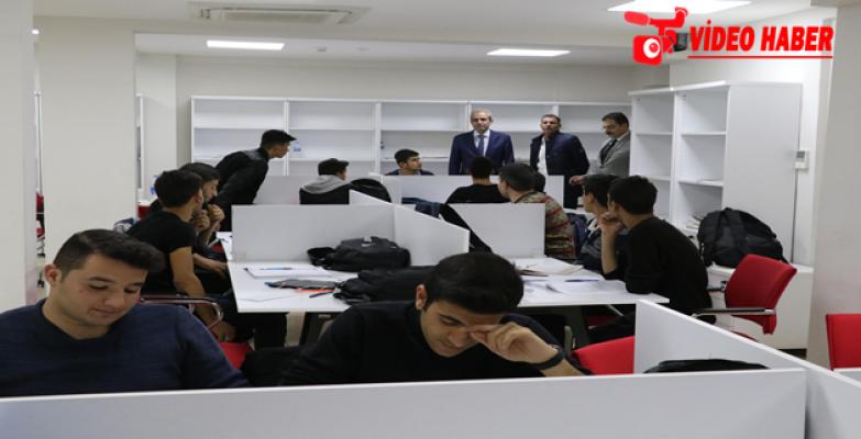 Başkan Demirkol, Eğitim Merkezindeki Öğrencilerle Bir Araya Geldi