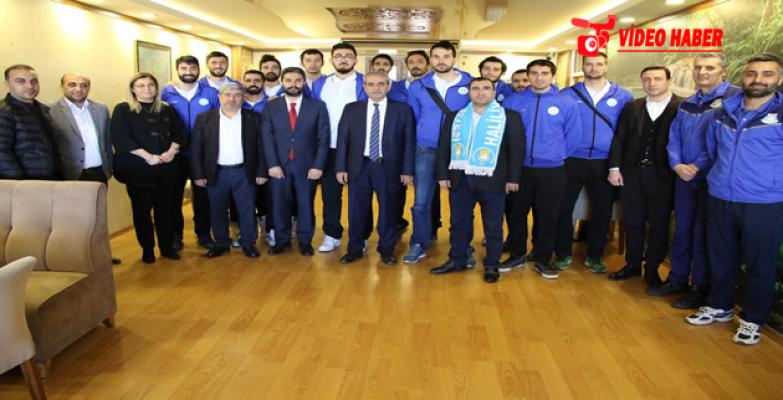 Başkan Demirkol, Voleybol Takımını Şampiyonluk Sözü İle Uğurladı