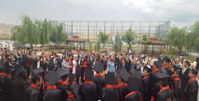 Finalde mezuniyet coşkusu