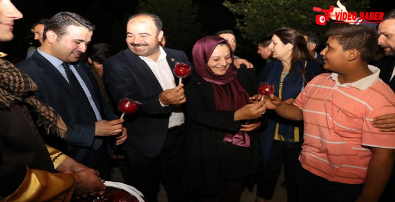 Ramazan Sokağı, İlk Günden Yoğun İlgi Gördü