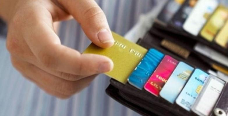 Bir Hafta İçinde Kapatmayan Bankalara İşlem Yapılacak