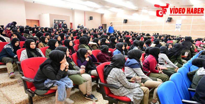 Büyükşehir 250 Öğrenciyi Sinema ile Buluşturdu