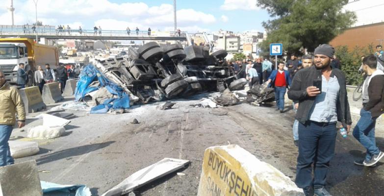 Urfa'da Zincirleme Trafik Kazası, 1'i Ağır 4 Yaralı
