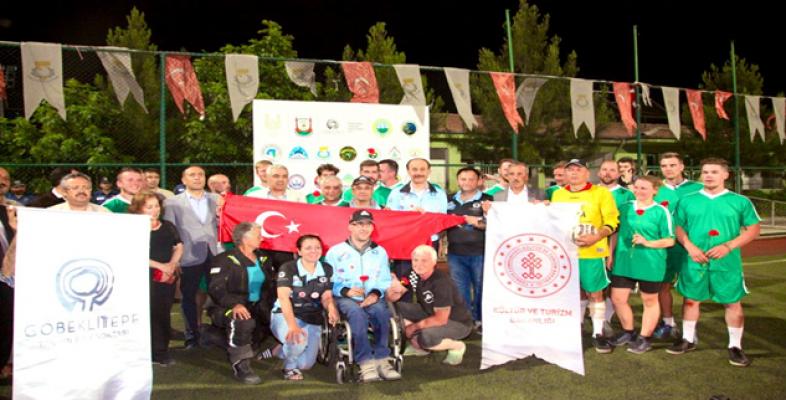 Ralliciler İle Milli Futbolcular Urfa'da Maç Oynadı