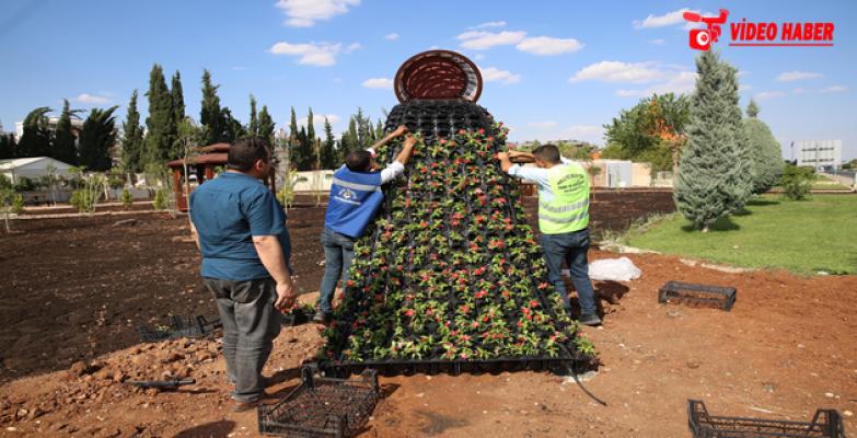 Haliliye Belediyesi, İlçeyi Çiçekler İle Süslüyor