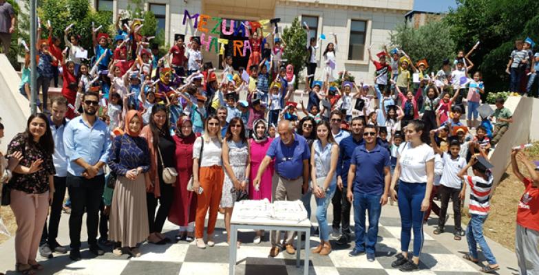 TEGV Şanlıurfa Sevgi - Erdoğan Gönül Eğitim Parkında  Mezuniyet Heyecanı