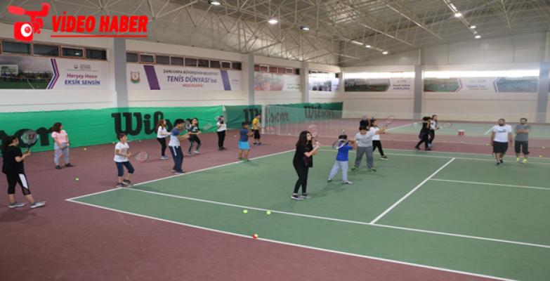 Büyükşehir, Geleceğin Tenis Şampiyonlarını Yetiştiriyor