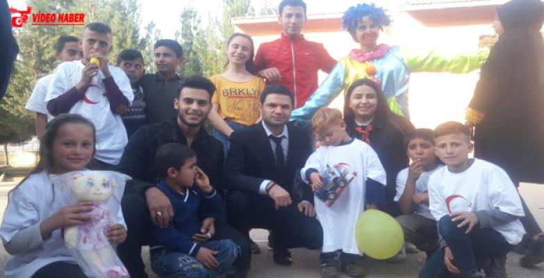 Sınırdaki Öğrenciler Açık Kapı İle Sevindi