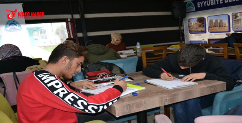 Gençler, Eyyübiye Belediyesi İle Geleceğe Hazırlanıyor.