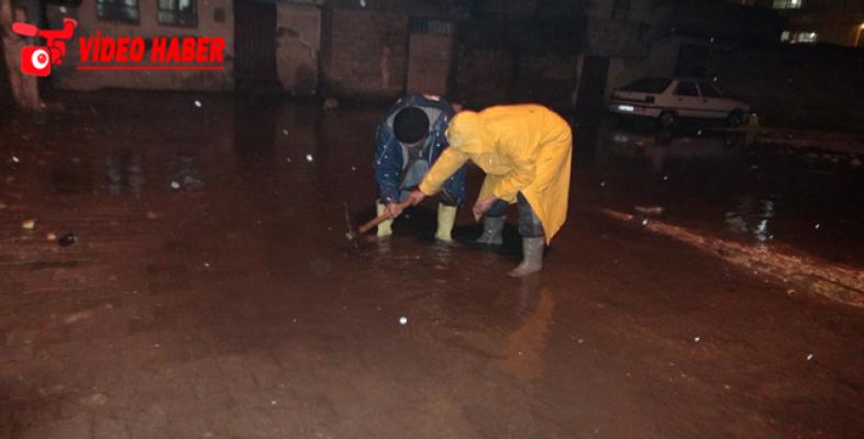 Şanlıurfa'da Evleri Su Bastı